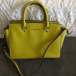 🍏 Michael kors handbag 🍏